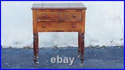 19th Century Federal bed side Table good condition