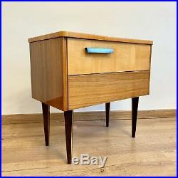 Ein Set von 2 Nachtkästchen Mid Century Vintage Nachttisch Bedside Table