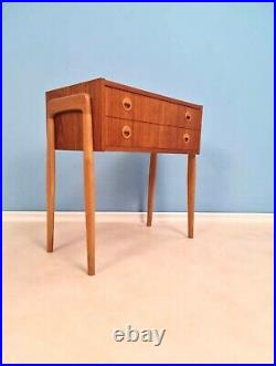 Midcentury Teak & oak Vintage Side table/ Bedside table/ Night stand straight fr