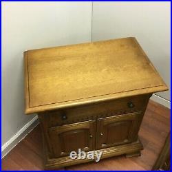 Vintage Ethan Allen Solid Maple Pair of Nightstands Side End Bedside Tables